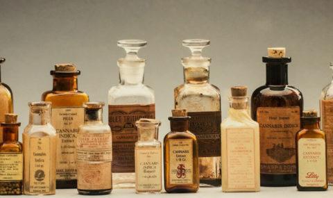 garrafas-antigas-de-cannabis-medicinal