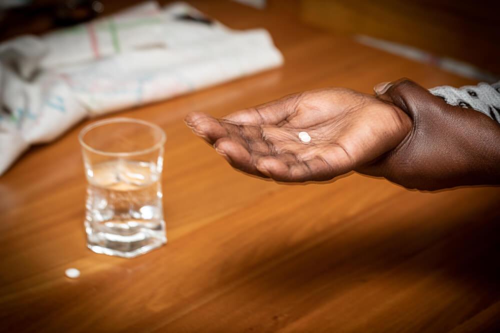 tremor nas mãos quais sao as propriedades teraéuticas do CBD para tratamento