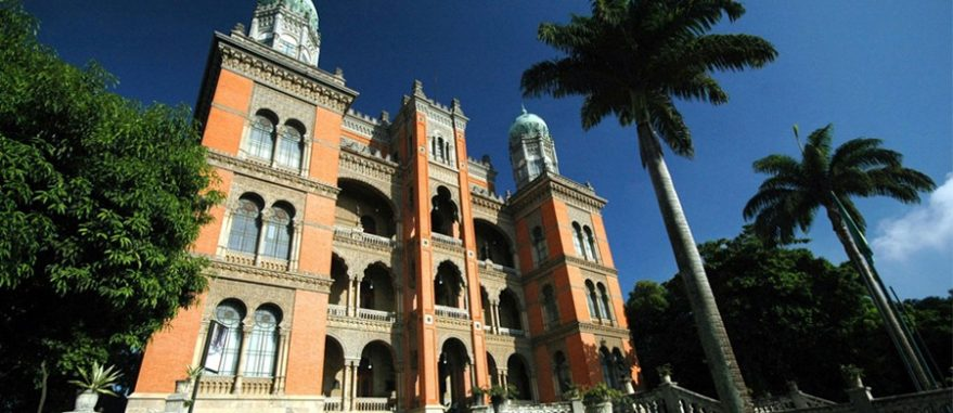 Prédio histórico da FioCruz no RJ